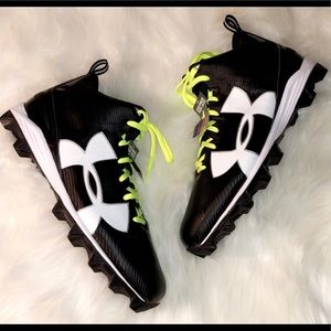 🆕UNDER ARMOUR Football Cleats